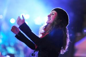 Donya Metzger,  Vocal Coach, a Capella Director, Learning Track Producer